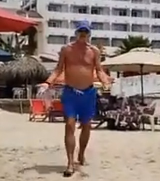 B.C. residents accused of accosting reporter on beach in Mexico.