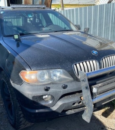 Kamloops man frustrated, confused after police seize licence plates, describe BMW as 'police lookalike'